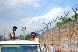 On the way to the Katkatha studio, Badapur